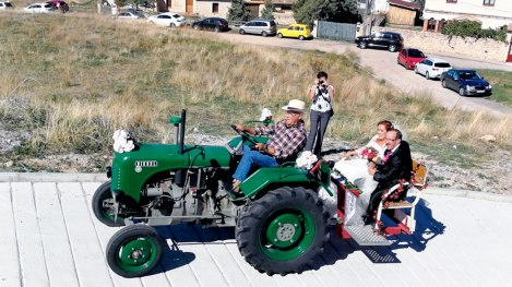 48-torredondo-boda-en-tractor