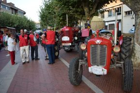 los-participantes-en-la-ruta-la-rioja-en-tractor-clasico-visitan-haro-1