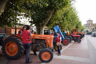 los-participantes-en-la-ruta-la-rioja-en-tractor-clasico-visitan-haro-7